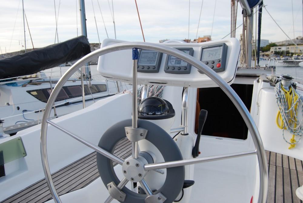 Boat rental Marseille cheap Sun Odyssey 32.2