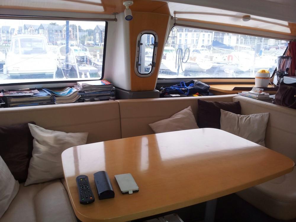 Rental yacht Arzal - Fountaine Pajot Mahe 36 on SamBoat
