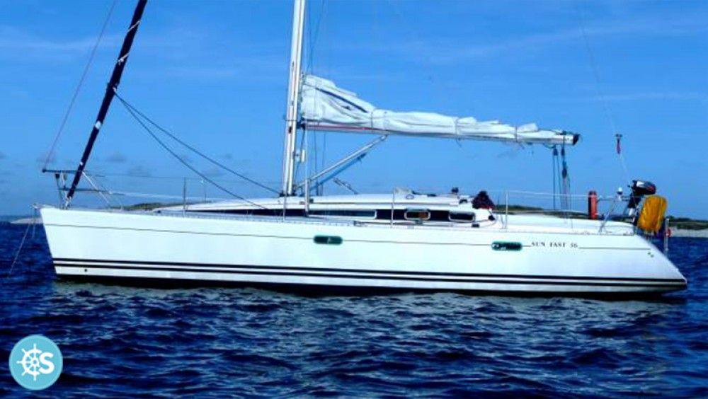 Sailboat for rent Larmor-Plage at the best price