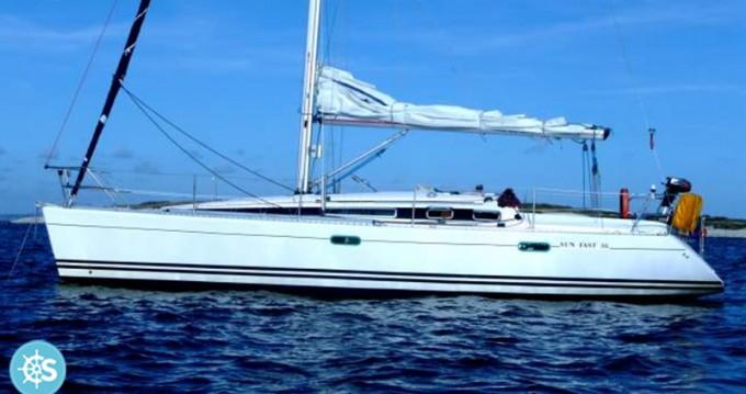 Boat rental Larmor-Plage cheap Sun Fast 36