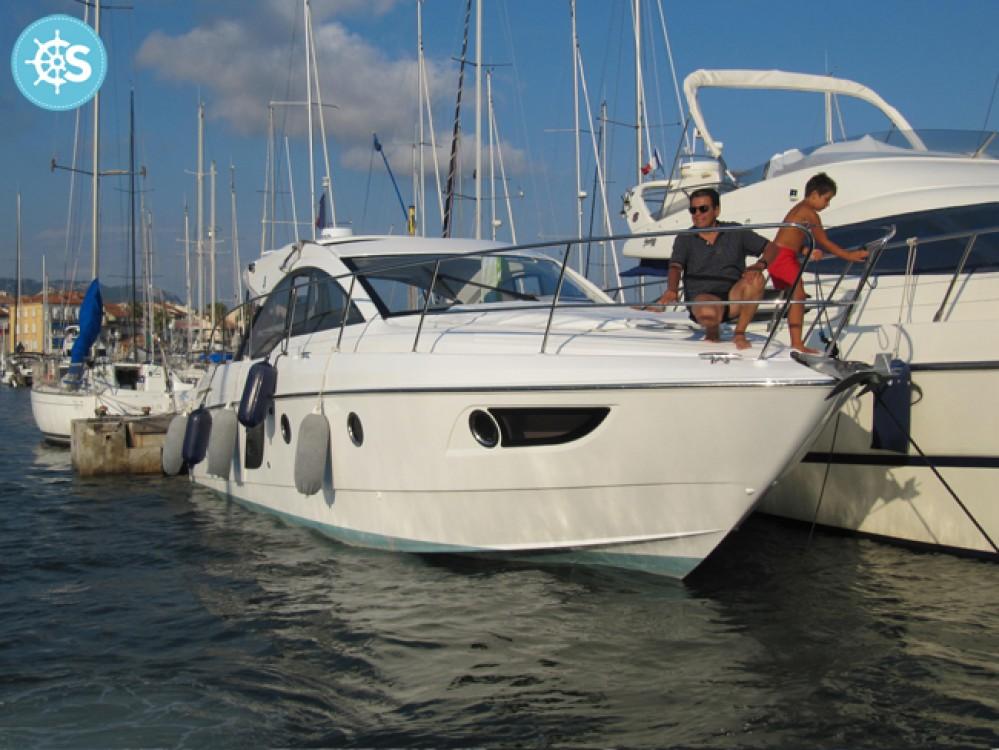 Boat rental Bénéteau Flyer Gran Turismo 38 in Sausset-les-Pins on Samboat