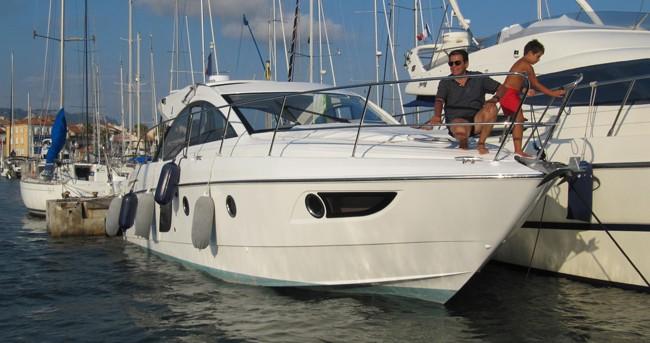Rental Motorboat in Sausset-les-Pins - Bénéteau Flyer Gran Turismo 38