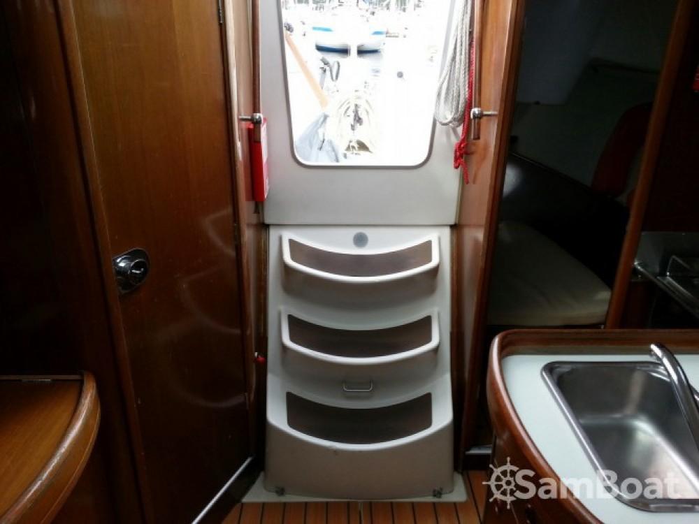 Boat rental Lorient cheap Oceanis 311 DL