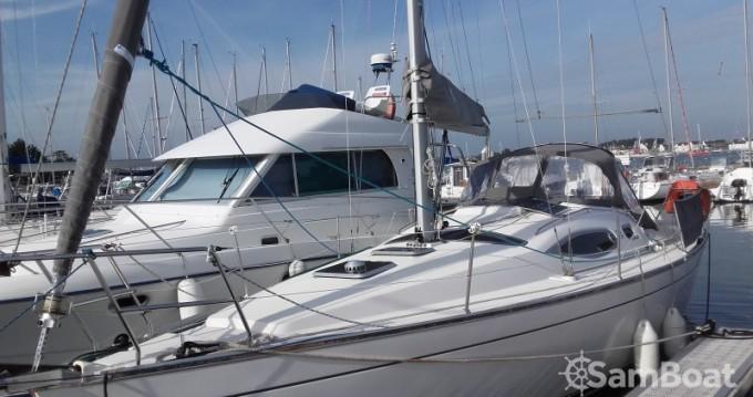 Rental yacht Loctudy - Kirie Feeling 32 on SamBoat