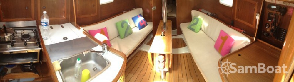 Rental Sailboat in Lorient - Bénéteau Oceanis 311 DL
