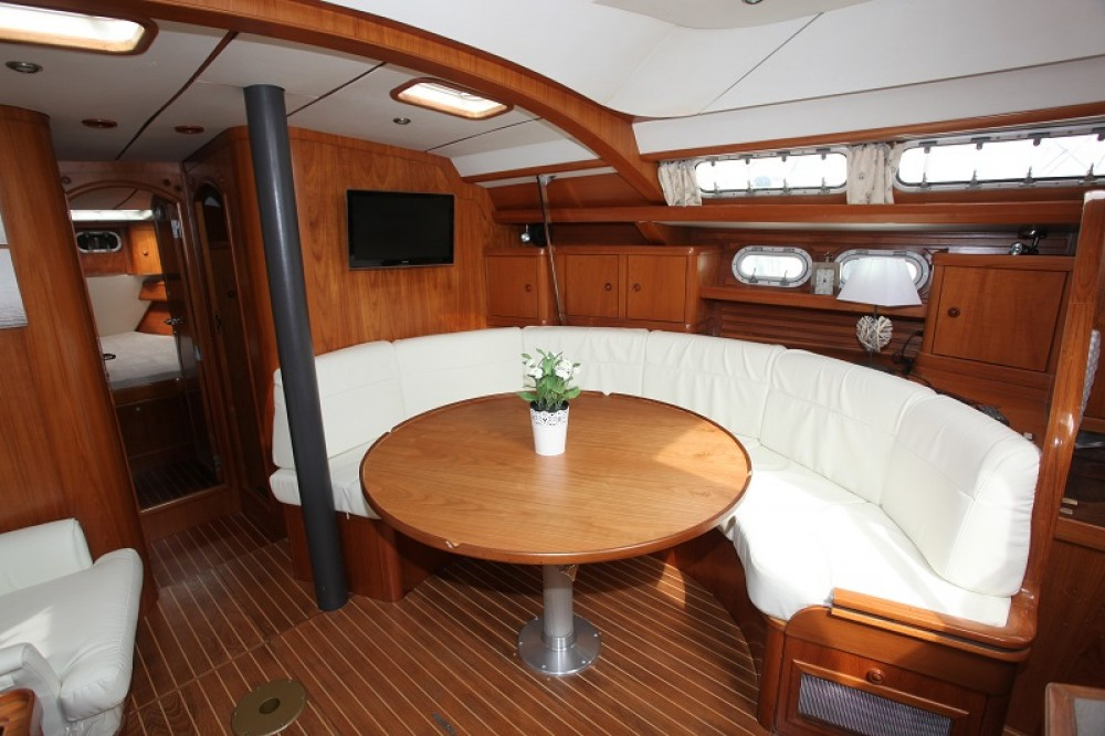 Rental Sailboat in Hyères - Jeanneau Sun Odyssey 47 Cc