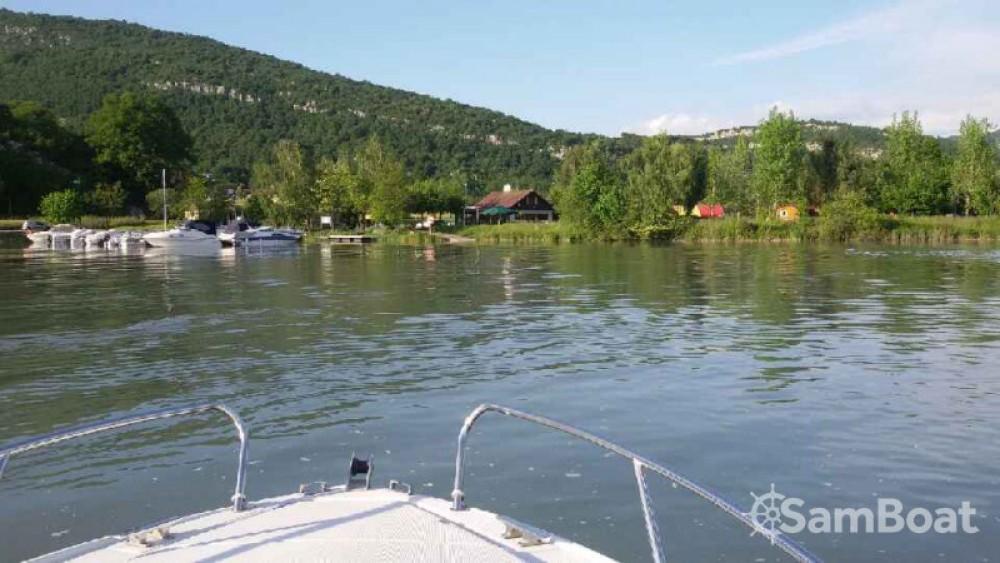 Boat rental Jeanneau Leader 550 in Virignin on Samboat