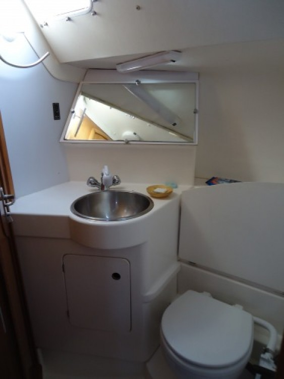 Sailboat for rent Arzal at the best price