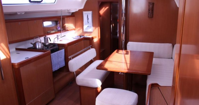 Boat rental Bénéteau Oceanis 43 in Ajaccio on Samboat