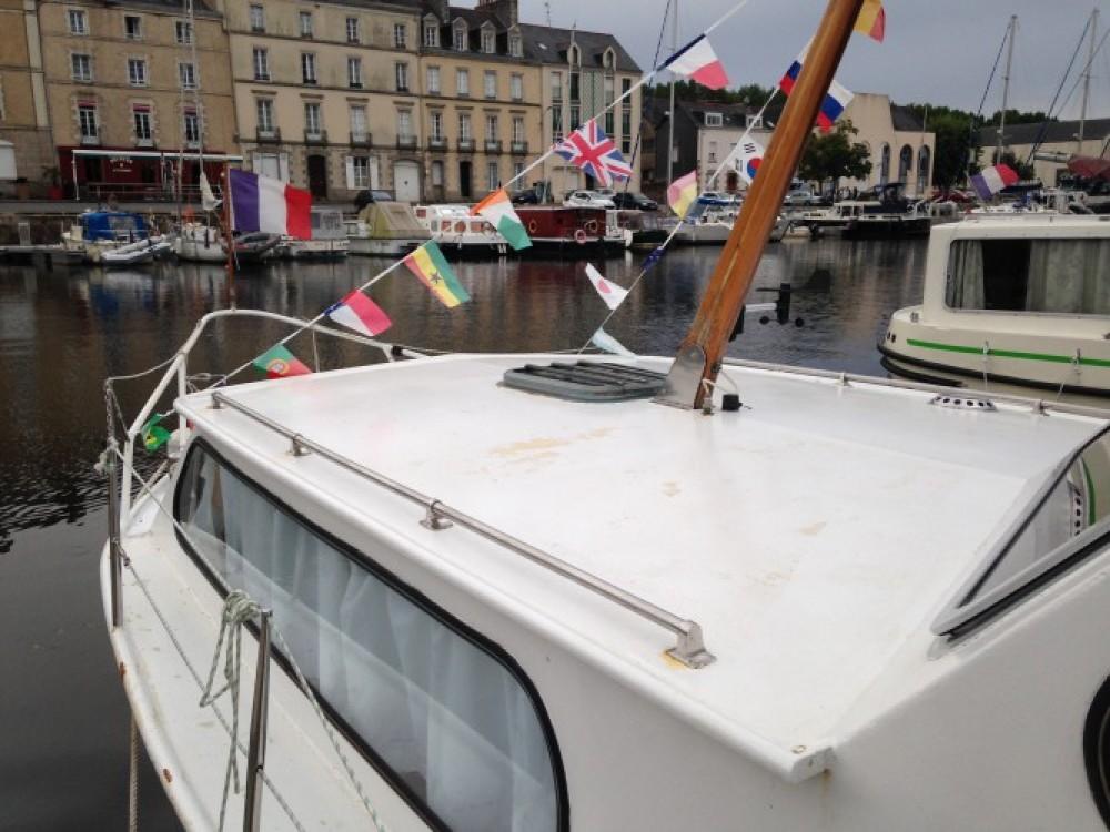Rental Motor boat in Redon - Bravo A279