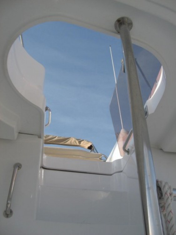 Rental Motor boat Fountaine Pajot with a permit