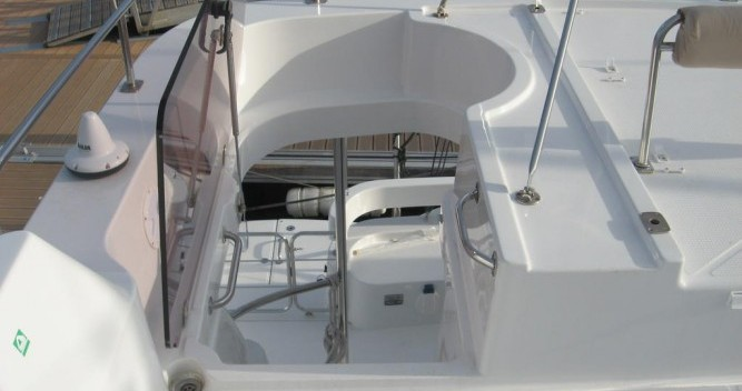 Hire Motorboat with or without skipper Fountaine Pajot La Trinité-sur-Mer