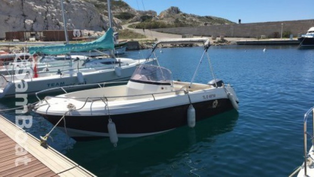 Boat rental Pacific Craft Pacific Craft 625 Open in Marseille on Samboat