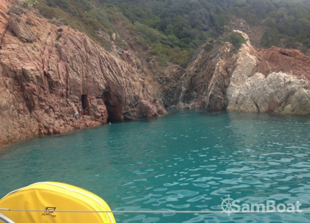 Hire Catamaran with or without skipper Fountaine Pajot Marseille