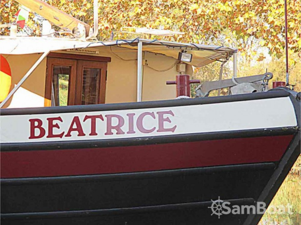 Canal boat for rent Portiragnes at the best price