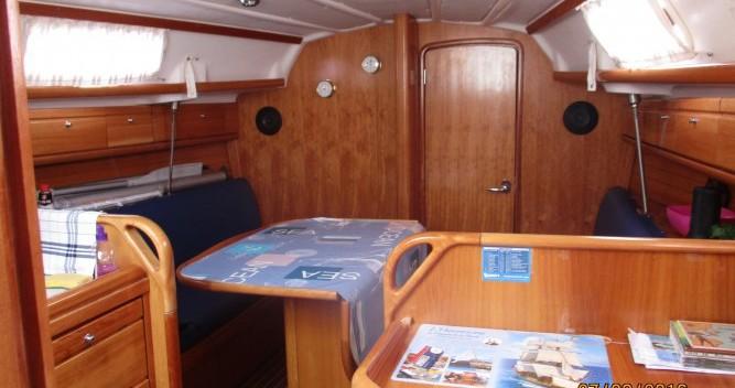 Rent a Bavaria Cruiser 30 La Trinité-sur-Mer