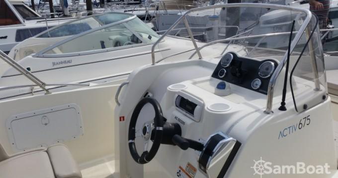 Motorboat for rent Parentis-en-Born at the best price
