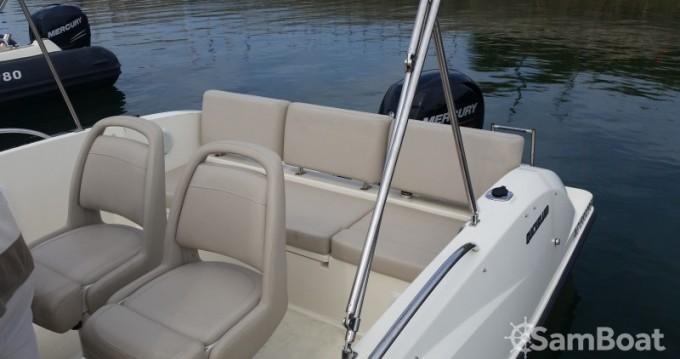 Boat rental Parentis-en-Born cheap Activ 675 Open