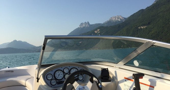 Rental Motorboat in Annecy - Glastron MX 185