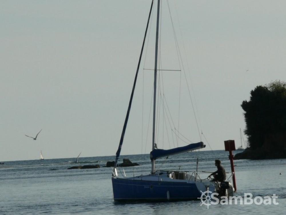 Rental Sailboat in Guidel - Bénéteau First 210
