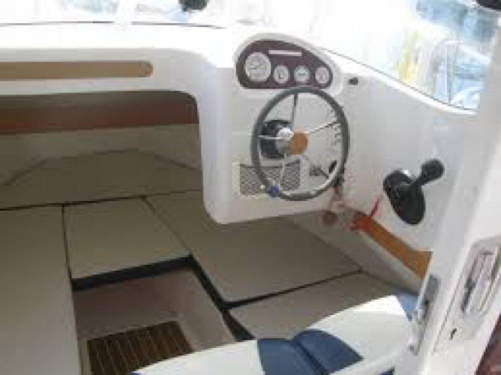 Quicksilver Quicksilver 640 Pilothouse between personal and professional Lorient