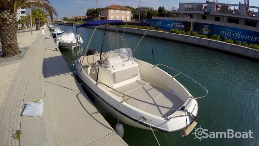 Motor boat for rent Fréjus at the best price