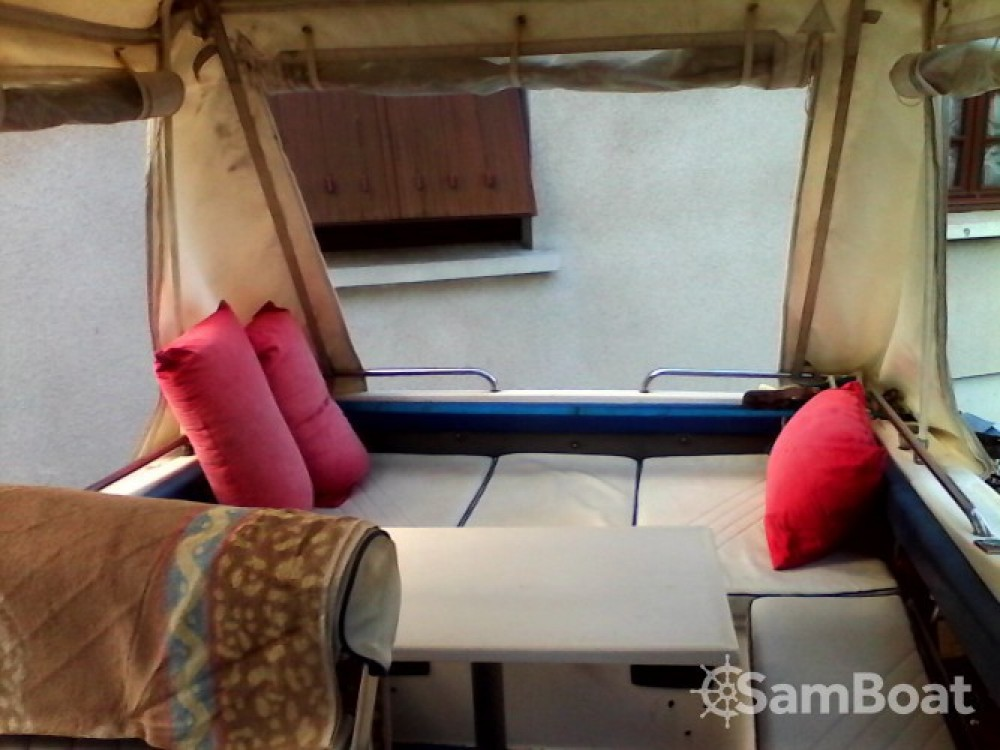 Rental Motor boat in La Londe-les-Maures - Rocca Guepard