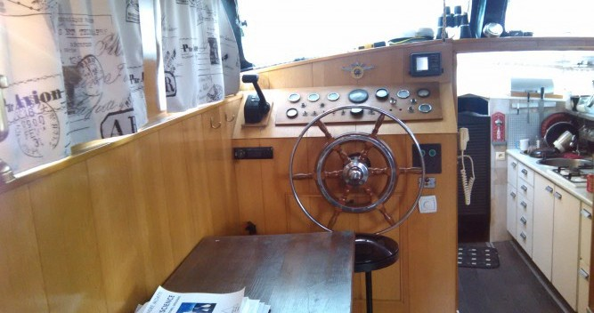 Canal boat for rent Paris at the best price