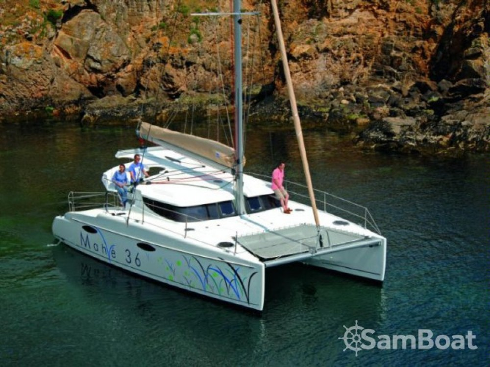 Rent a Fountaine Pajot Mahe 36 Evolution Martinique