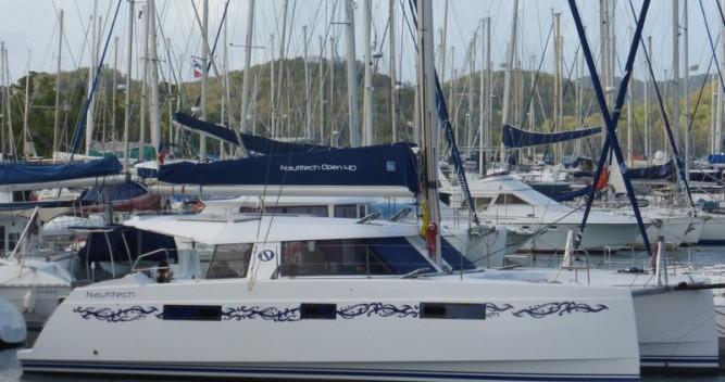 Rental Catamaran Nautitech with a permit