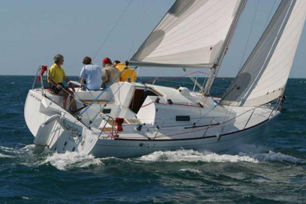 Rental Sailboat in La Rochelle - Bénéteau First 27.7