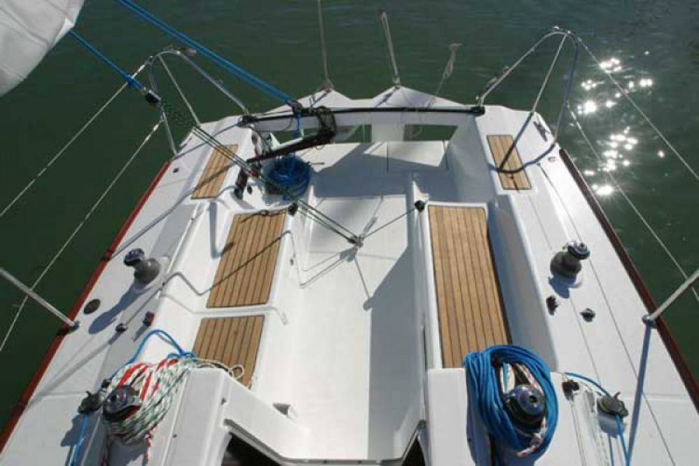 Sailboat for rent La Rochelle at the best price