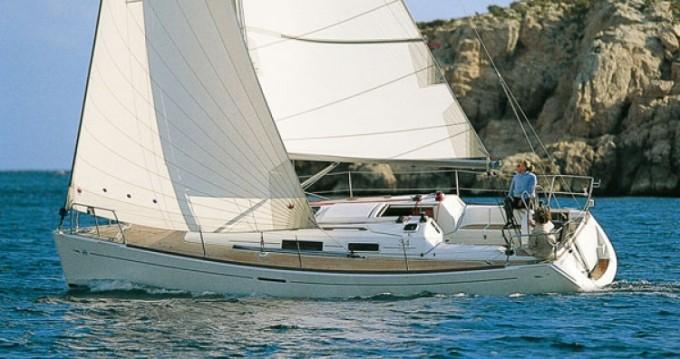 Rental Sailboat in La Rochelle - Dufour Dufour 34