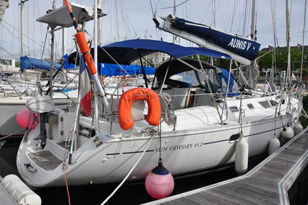 Jeanneau Sun Odyssey 45.2 between personal and professional La Rochelle