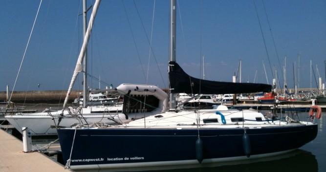 Hire Sailboat with or without skipper Bénéteau Diélette