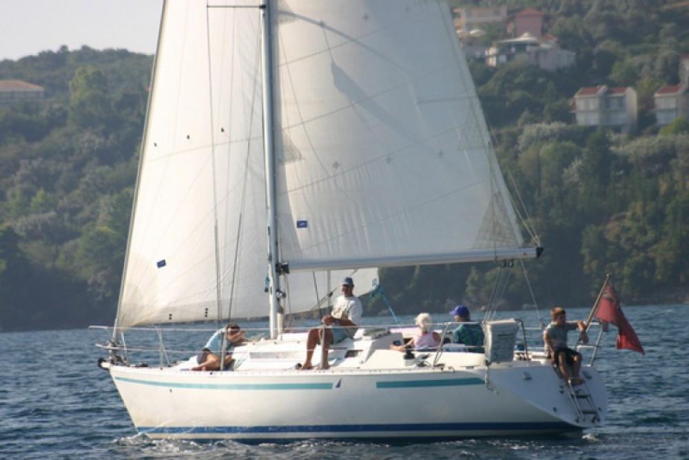 Rental Sailboat in Port Diélette - Bénéteau First 345