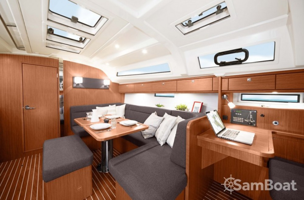 Hire Sailboat with or without skipper Bavaria Flamanville