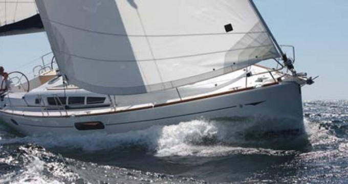 Rental Sailboat in Diélette - Jeanneau Sun Odyssey 44i