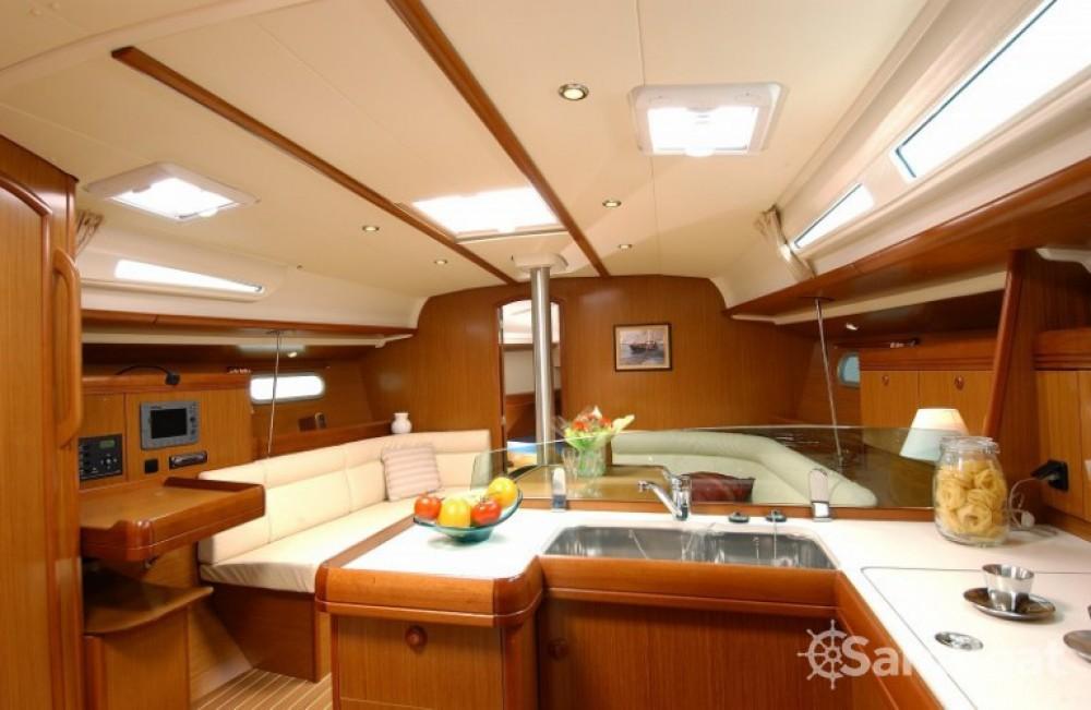 Rental Sailboat in Martinique - Jeanneau Sun Odyssey 42i