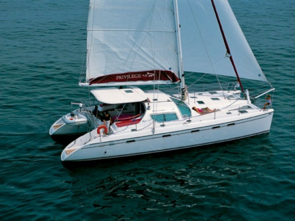 Rental Catamaran Alliaura Marine with a permit