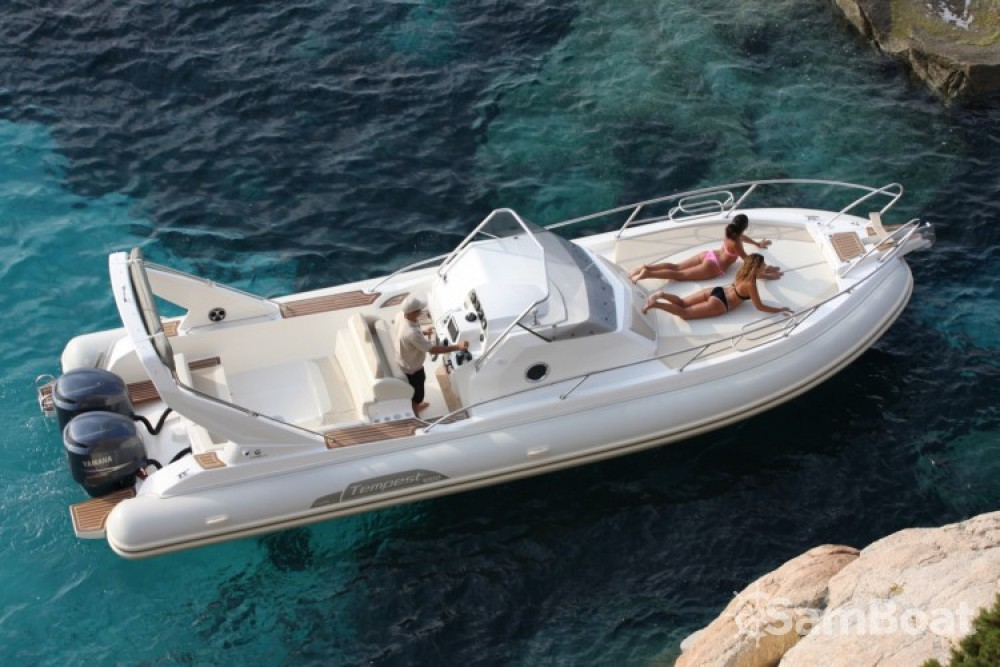 Hire RIB with or without skipper Capelli Ajaccio