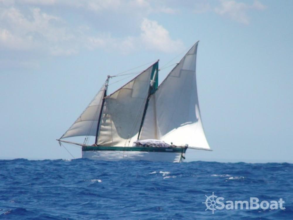 Rental Sailboat in Toliara - Unique Goélette