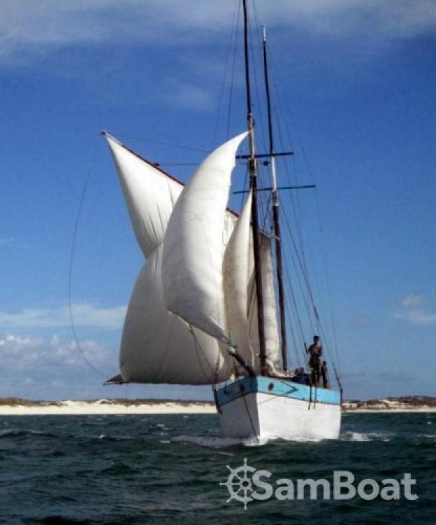 Rental Sailboat Unique with a permit
