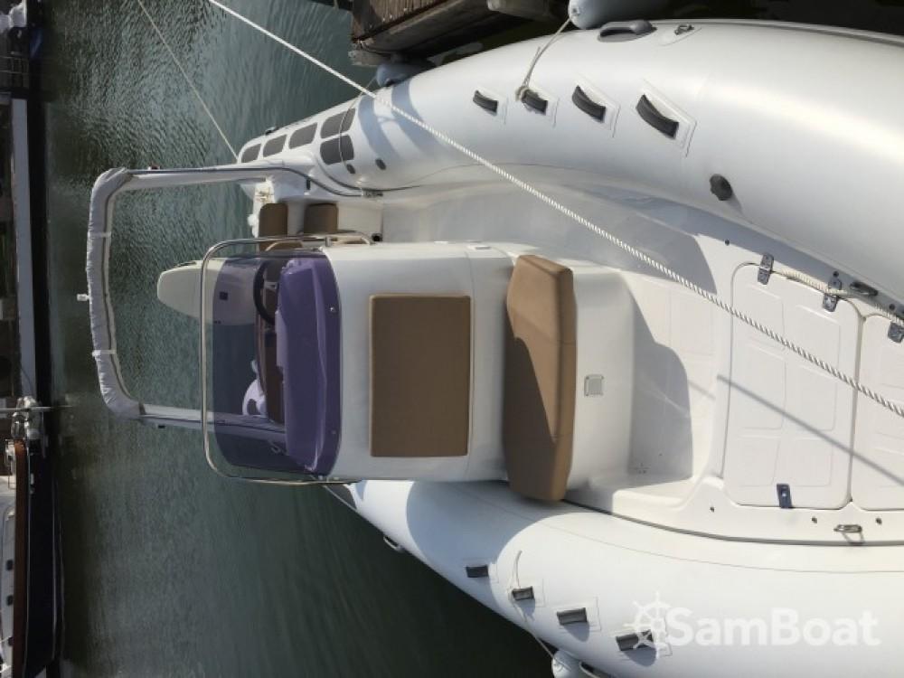 Boat rental Brig Eagle 650 in Roses on Samboat