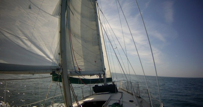 Hire Sailboat with or without skipper Jeanneau Saint-Malo