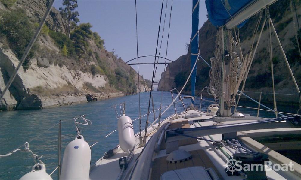 Boat rental Jeanneau Voyage 11.20 in Lávrio on Samboat