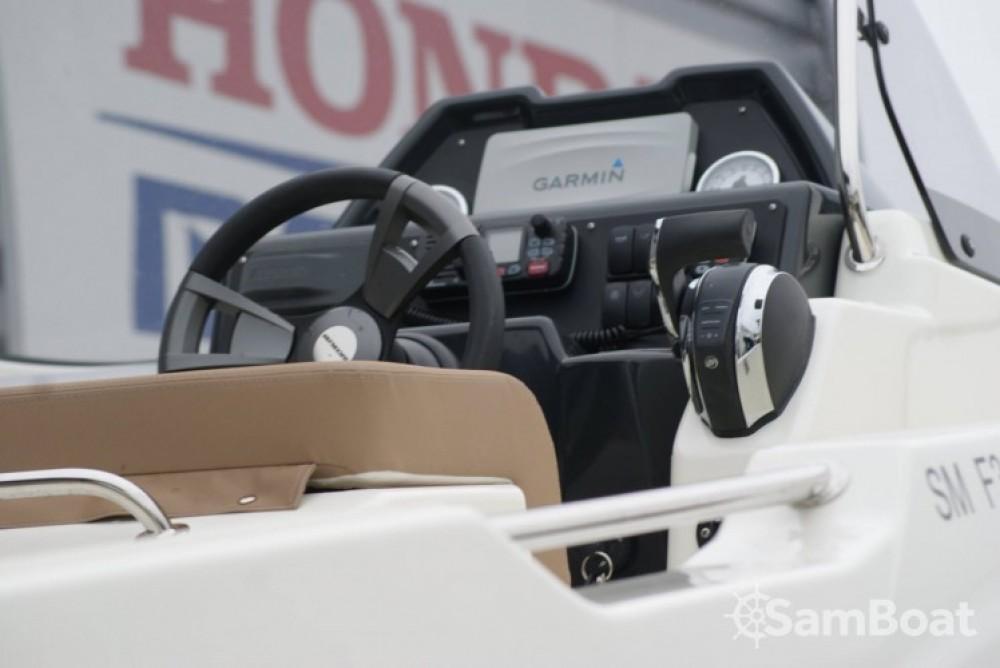 Rent a Quicksilver Activ 755 Open Saint-Malo