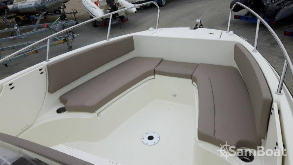 Quicksilver Activ 755 Open between personal and professional Saint-Malo