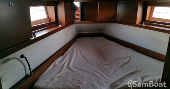 Rental yacht Toulon - Bénéteau Oceanis 41 on SamBoat