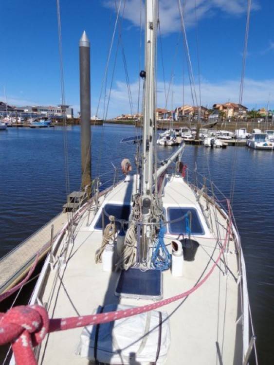 Sailboat for rent Capbreton at the best price